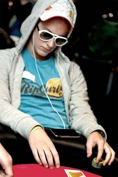 Poker icebreaker